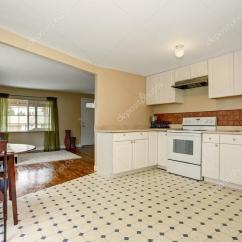 Kitchen Tile Floor Black Stainless Steel Sink 很简单的厨房瓷砖地板 图库照片 C Iriana88w 80244776