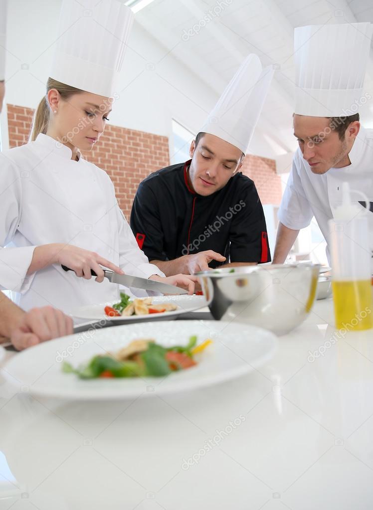 eleves de formation chef de cuisine photo