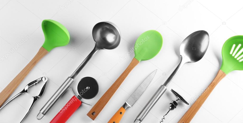 kitchen tool set calphalon essentials 厨房工具集 图库照片 c belchonock 108202038