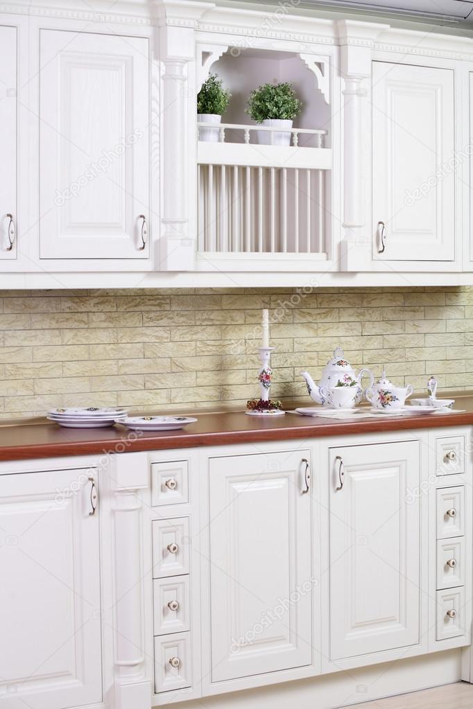 european kitchens kitchen wood countertops 现代欧洲厨房的内部 图库照片 c fiphoto 54067821