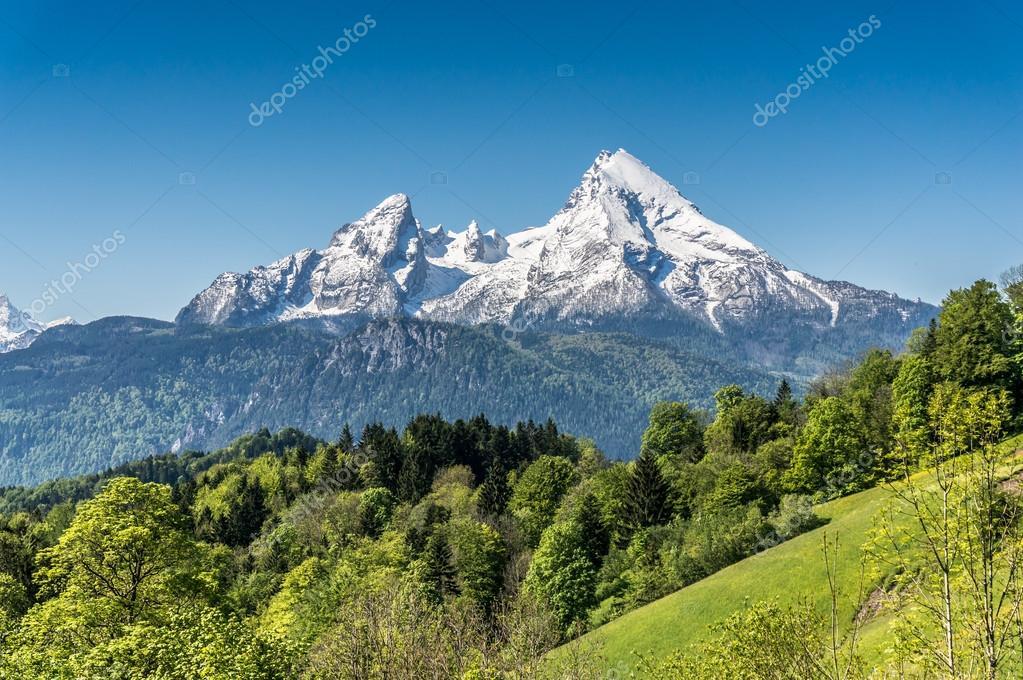 Paesaggio di montagna nelle Alpi bavaresi Berchtesgadener