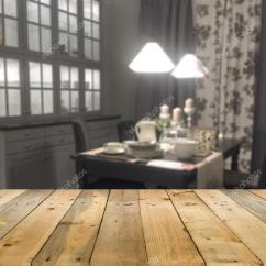 Kitchen Showrooms Rustic Cabinet Hardware 模糊的现代厨房的装饰家居陈列室 图库照片 C Kampee P 104719970