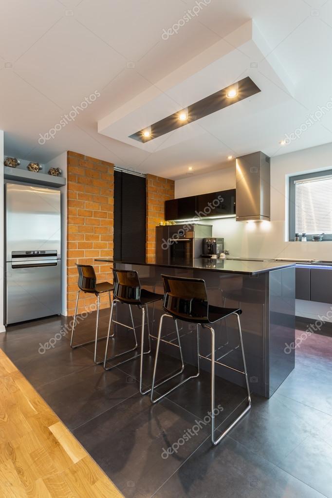 oak kitchen islands cabinet sales 在现代室内厨房岛 图库照片 c photographee eu 59131105 vertical view of island in modern interior 照片作者photographee