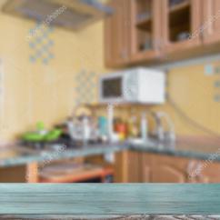 Kitchen Tabletops Small Cabinets 蓝色的厨房桌面 图库照片 C Olegkrugllyak 106984920