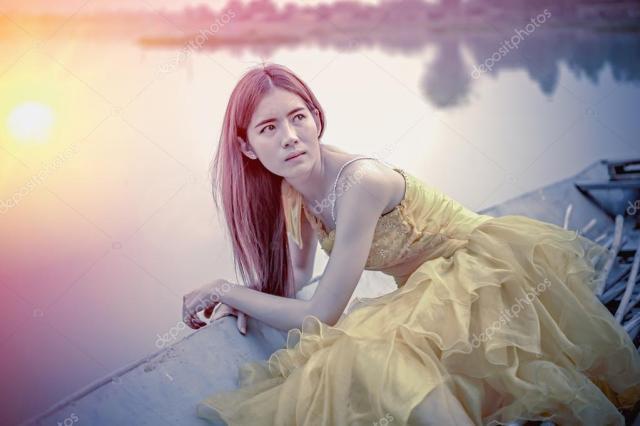 https://i0.wp.com/st2.depositphotos.com/3072055/10513/i/950/depositphotos_105136562-stock-photo-asia-beautiful-woman-in-yellow.jpg?w=640&ssl=1