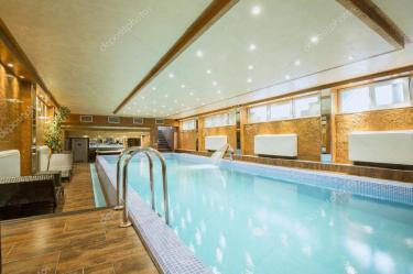 dentro luxo casa piscina hotel bancos imagens rilueda