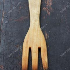 Kitchen Fork Stainless Steel Tables 木制厨房叉 老黑表特写选择性重点 乡村风格 浅景深 图库照片 C Gutaper