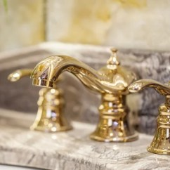 Oil Bronze Kitchen Faucet Vintage Lighting 老式黄铜厨房龙头 图库照片 C Isampuntarat Gmail Com 174228084 孤立在现代浴室