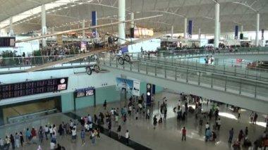 Malpensa Interntional Airport - February 8. 2017: Milan-Malpensa airport departures hall — Stock Video © nlavtchiev #143278363