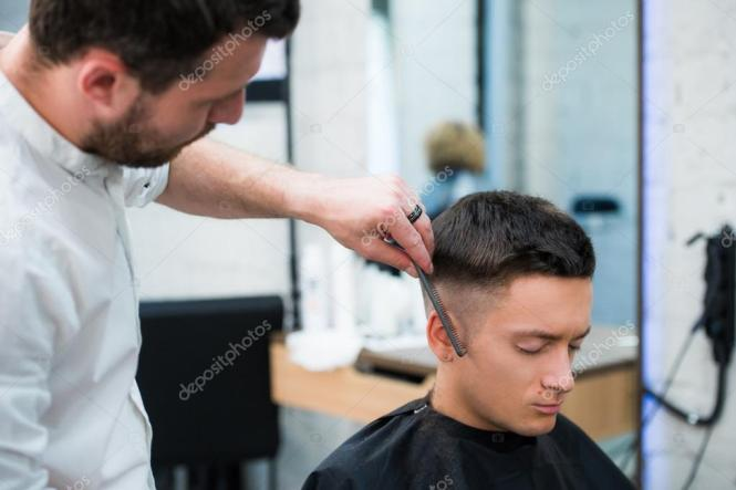 Stylish Haircut For Ladies And Women Look At The Premier Cuts Hair Salon In Round Rock