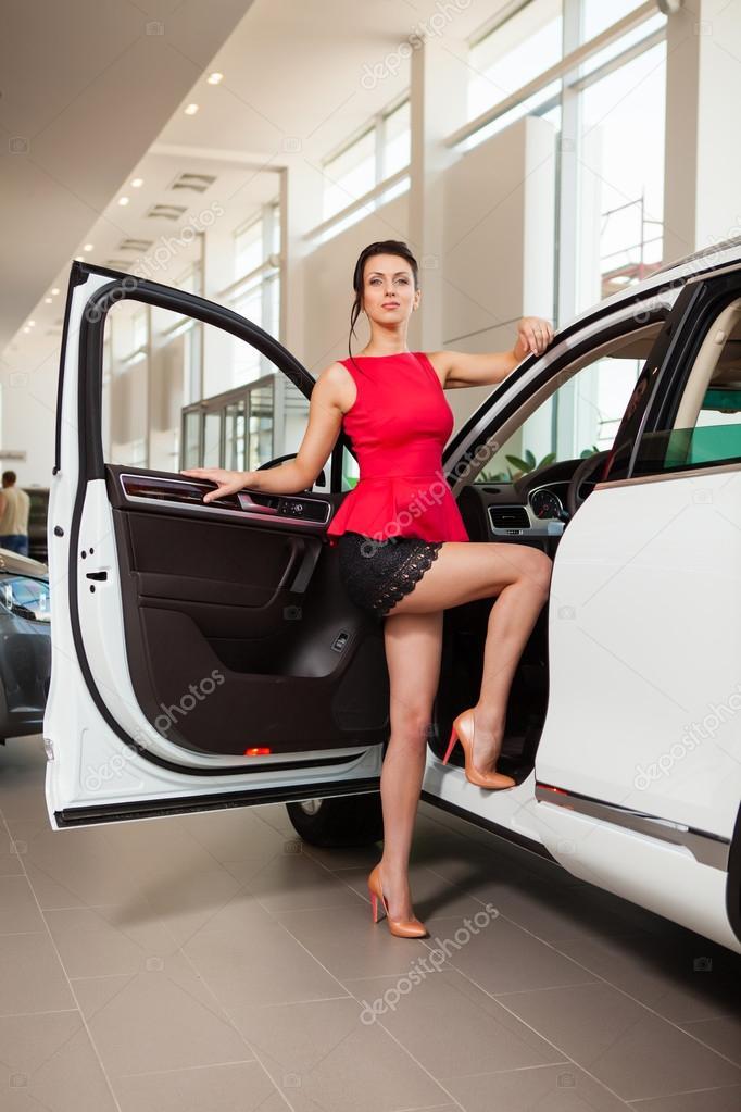 Femme Au Volant En Mini-jupe : femme, volant, mini-jupe, Voiture, Images, Libres, Droit,, Photos, Depositphotos
