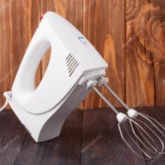 Beater Kitchen Counters Ikea 电动厨房用具打浆机与配件木制背景 图库照片 C Kolesnikovserg 103763440