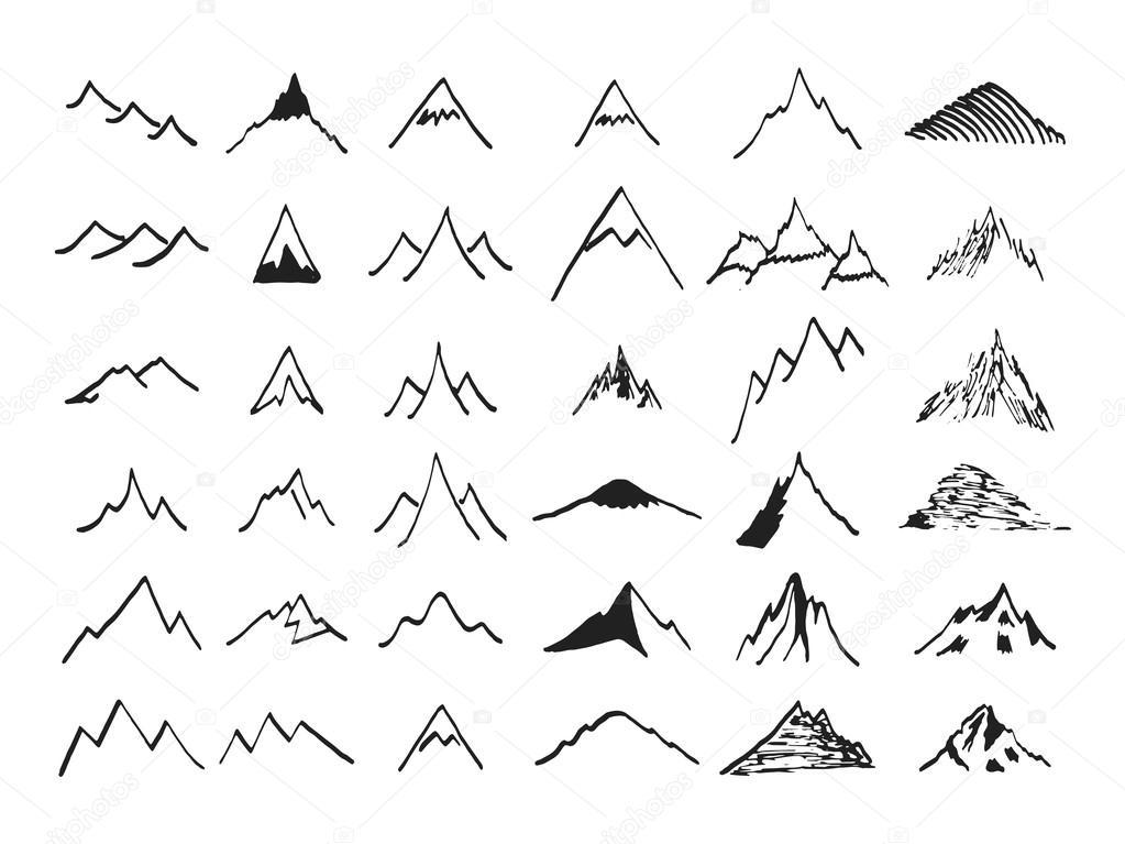 Berg-Symbole festgelegt. Hand gezeichnet — Stockvektor