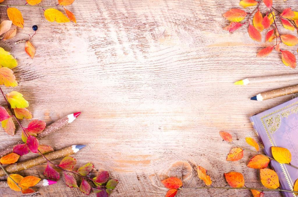 Fall Leaves Wallpaper Border Фон осень Осенние листья ноутбук дневник карандаши