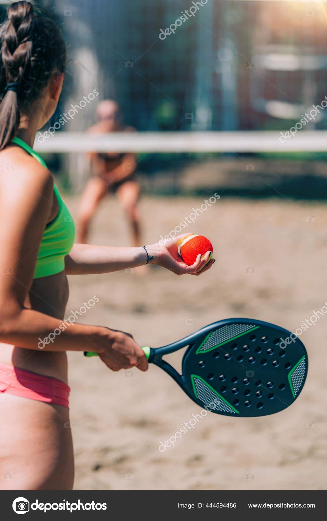 Bermain Tenis : bermain, tenis, Perempuan, Bermain, Tenis, Pantai, Microgen, #444594486