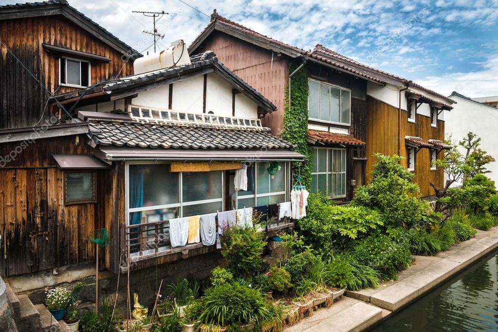 Alte japanische Häuser — Stockfoto © vlade-mir #106154052