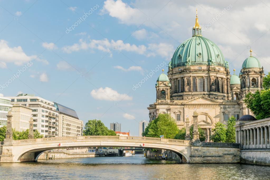 Resultado de imagem para Berliner Dome a Ilha dos Museus
