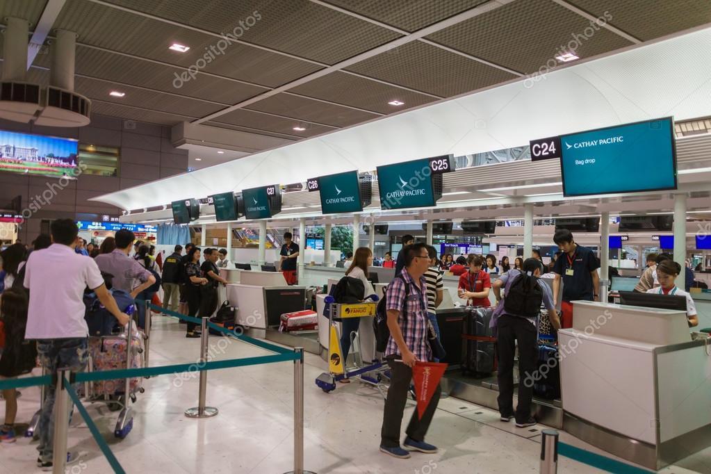 Cathay Pacific check-in counter at Narita International Airport, Tokyo, Japan – Stock Editorial Photo © uskarp #116021880