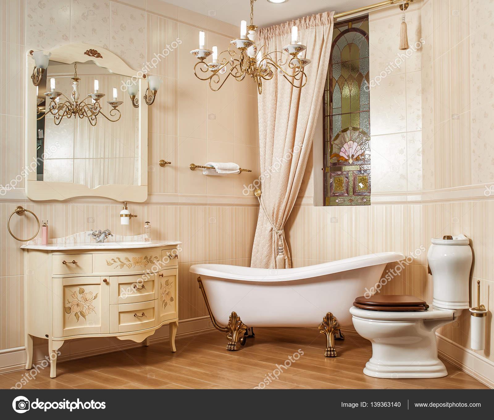Vasca Da Bagno Stile Antico : Bagno moderno e antico piastrelle bagno rosa antico interesting
