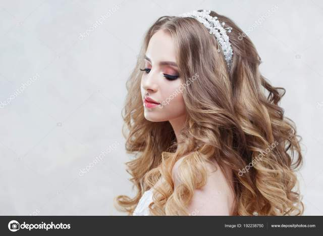 brides hairstyles with tiaras | young beautiful bride with
