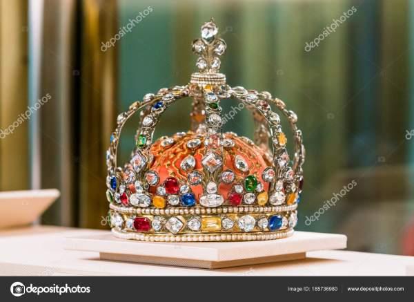 Gioielli Della Corona Di In Louvre Foto Stock Ewastudio #185736980