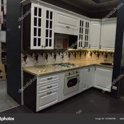 Kitchen Furniture Store Elkay Sink 俄罗斯圣彼得堡2017 在家具店 图库社论照片 C Evdoha 161090758 俄罗斯 圣彼得堡 22 07 2017 厨房t 照片作者evdoha