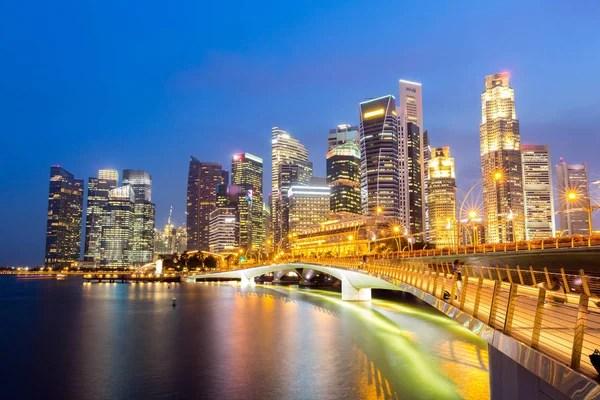 新加坡魚尾獅 — 圖庫社論照片 © vichie81 #42854417
