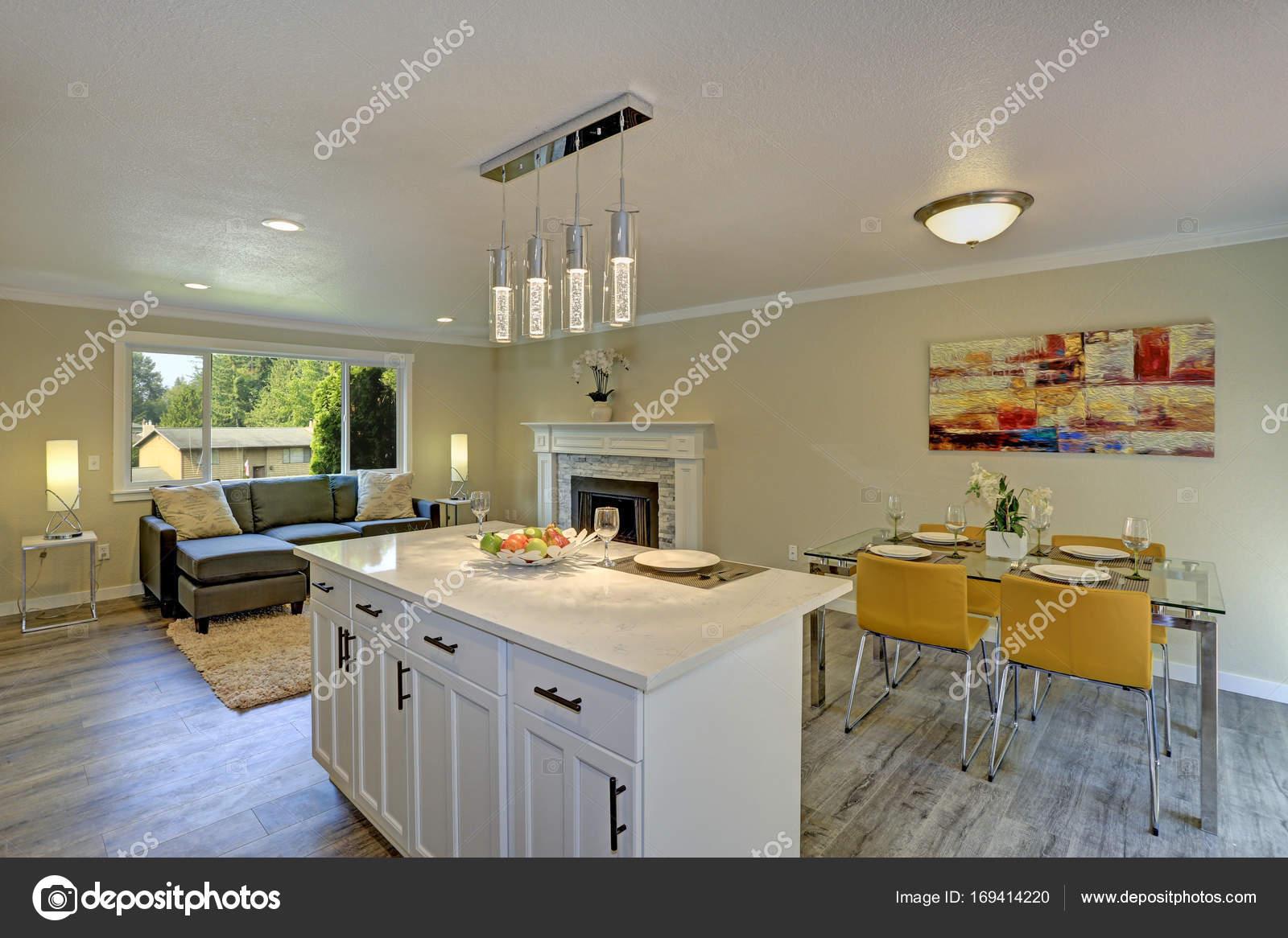 Plan abierto hermoso segundo piso living comedor cocina y