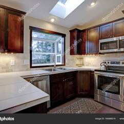Kitchen Skylights Ceramic Tile Backsplash 改建厨房用天窗 图库照片 C Alabn 195598214