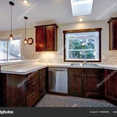 Kitchen Skylights Installing Flooring 改建厨房用天窗 图库照片 C Alabn 195598260
