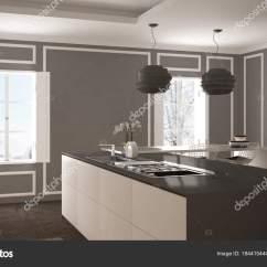 Modern Kitchen Stools Cheap Supplies 现代厨房在古典内饰 海岛与凳子和二个大窗口 白色和灰色建筑学室内设计