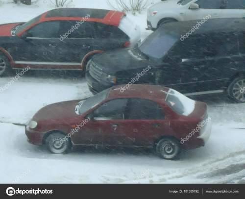 small resolution of daewoo lanos in winter fotograf a editorial de stock