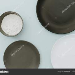 Ceramic Kitchen Top Island Seats 6 陶瓷餐具顶部的柔和的背景模拟准备烘烤厨房桌 图库照片 C Victoriabee