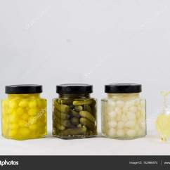 Kitchen Pantry Cabinet Wall Cabinets 伟大的蔬菜保持厨房的食品柜 图库照片 C Piotrek Wytrazek Pl 152986574
