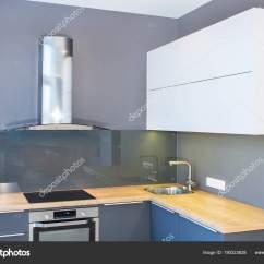 Kitchen Accent Table Aid 6qt 现代家庭内部现代厨房设计在轻的内部与木口音led 欧洲家具彩绘门面厨房 欧洲家具
