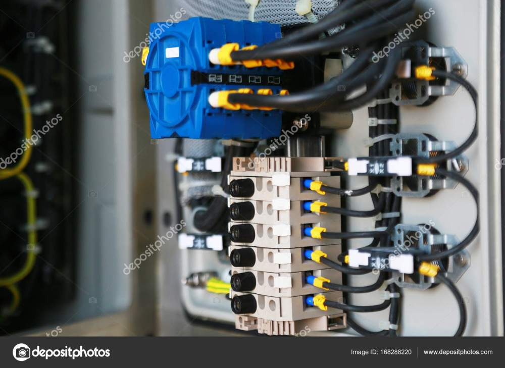 medium resolution of electrical terminal in junction box and service by technician junction panel wiring