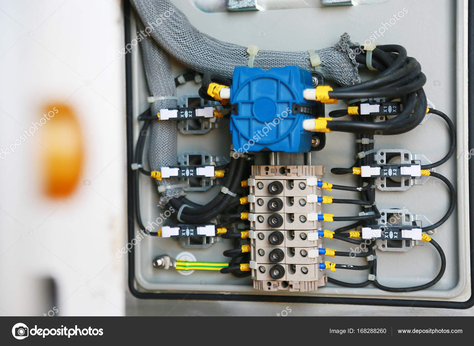 hight resolution of electrical terminal in junction box and service by technician electrical device install in control panel for