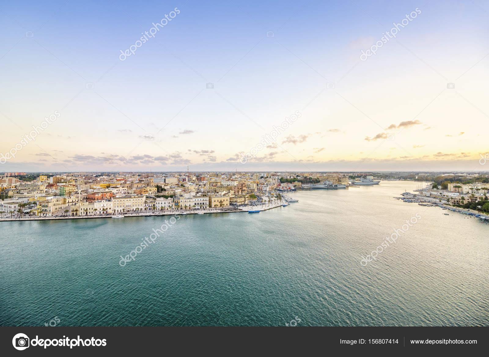 Panorama aereo di Brindisi Puglia Italia  Foto Stock  eunikas 156807414