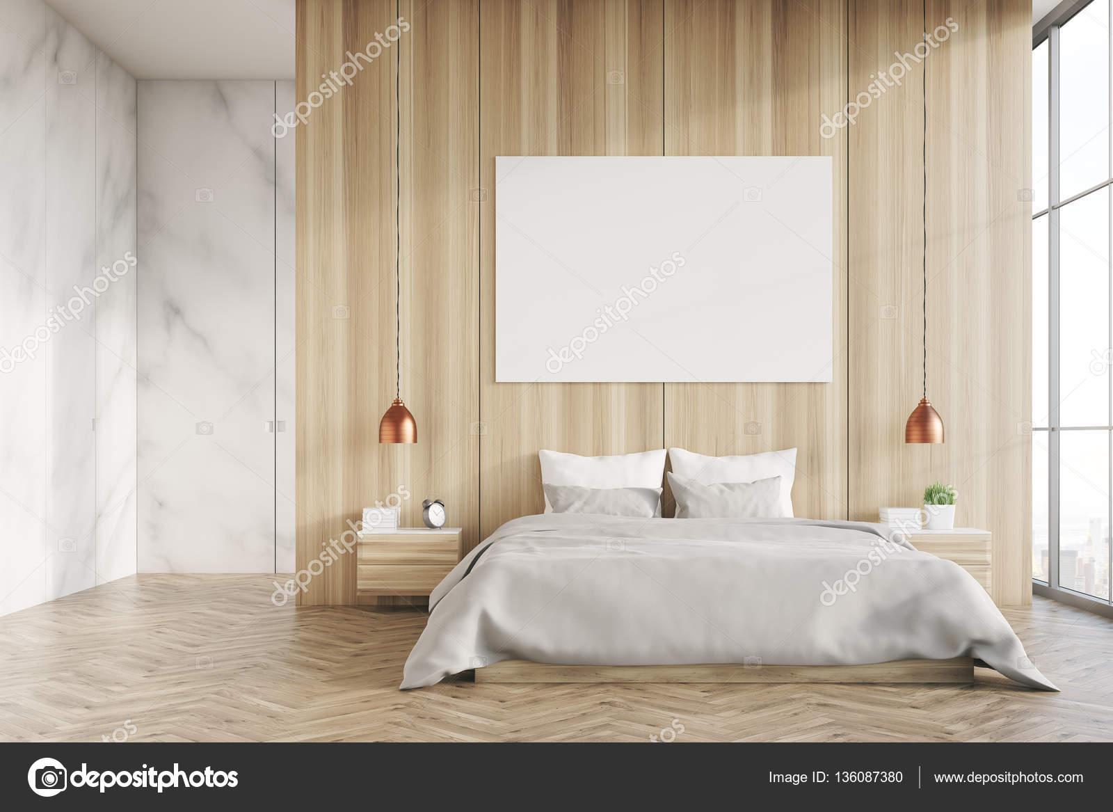 Licht hout en marmeren slaapkamer met poster  Stockfoto