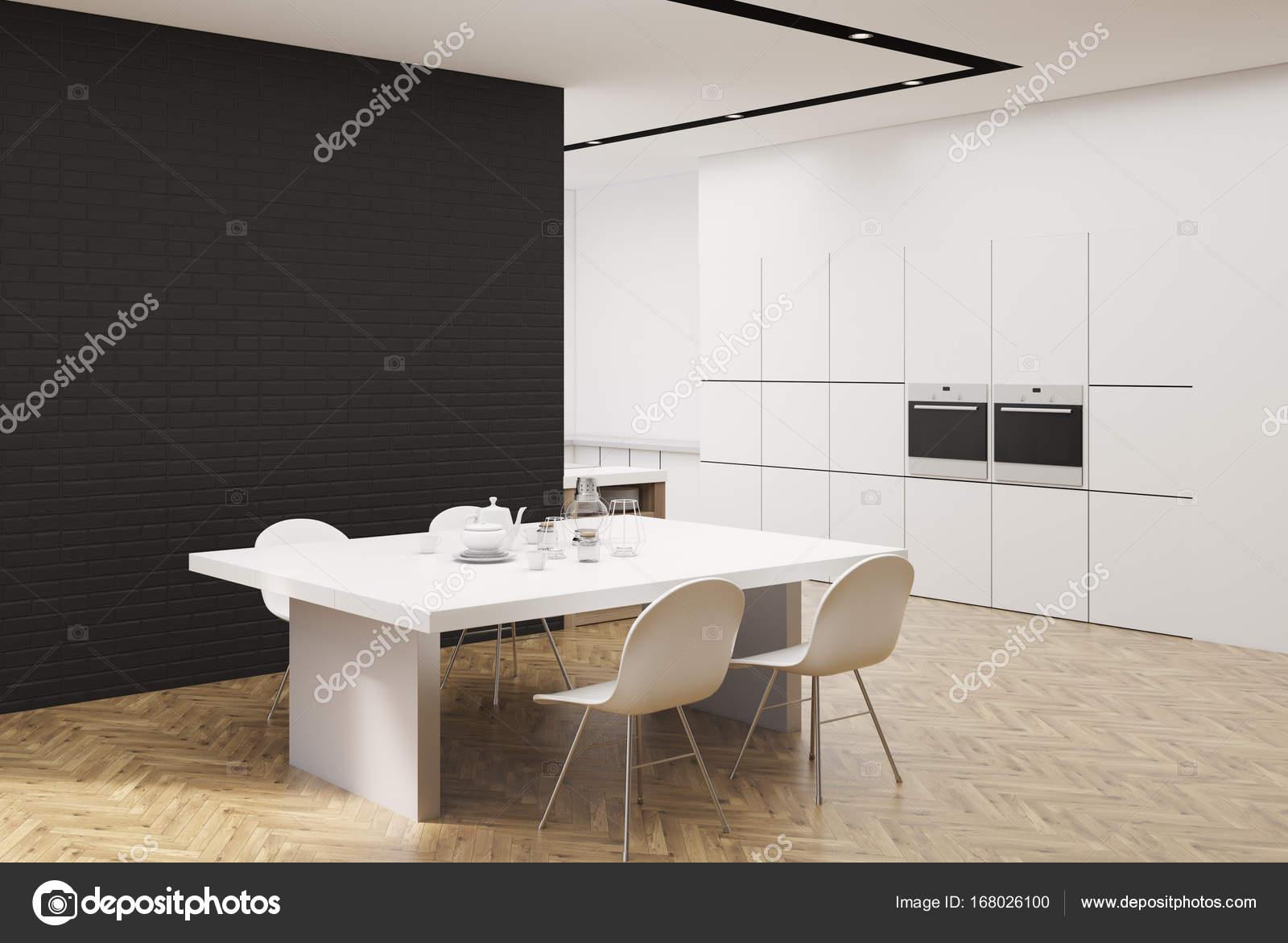 black kitchen tables painting cabinets cost 白色和黑色的厨房用一张桌子 角 图库照片 c denisismagilov 168026100