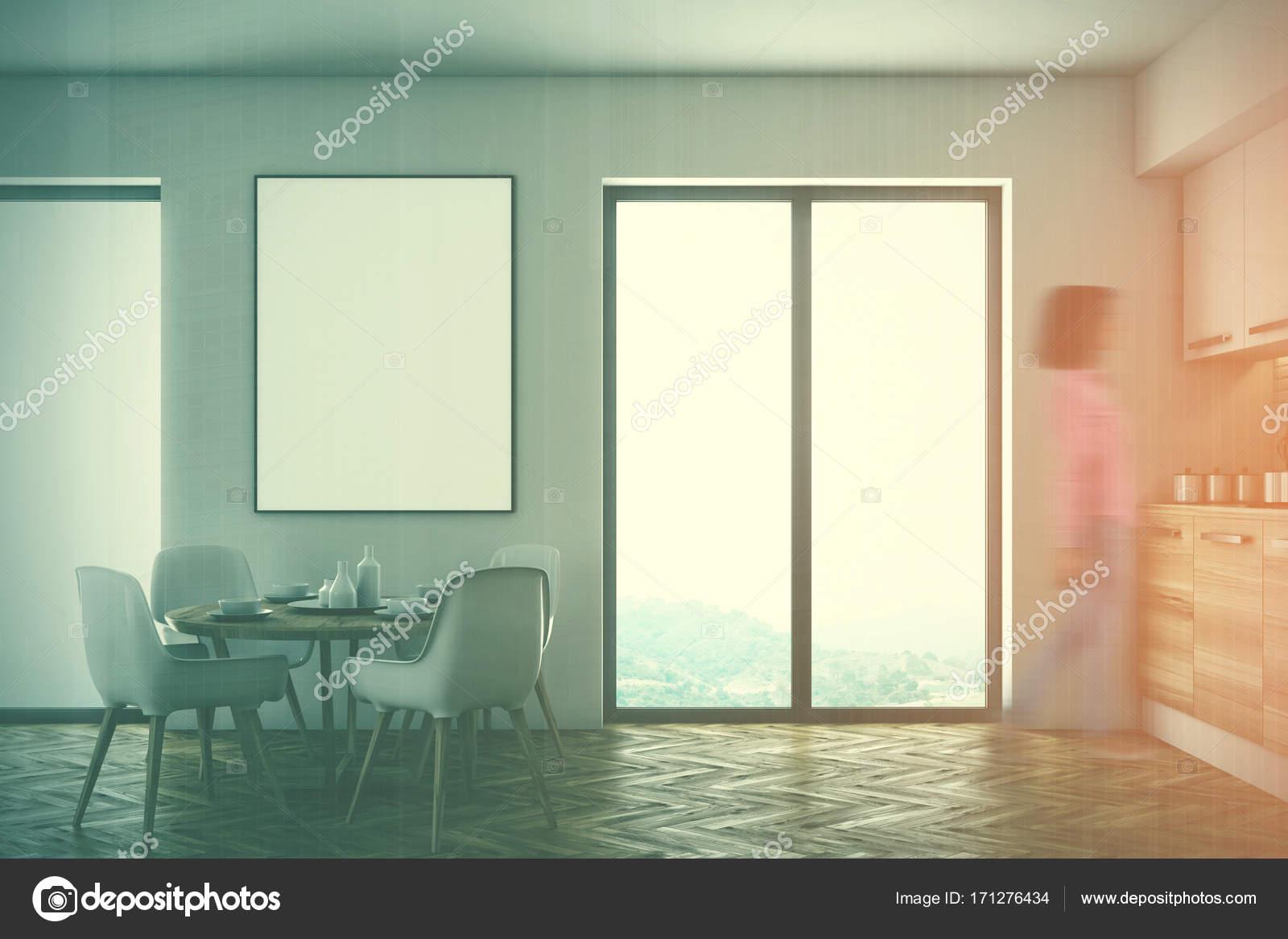 kitchen shades damascus steel knives 白色和木制饭厅和厨房色调 图库照片 c denisismagilov 171276434