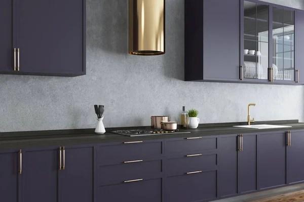 kitchen wall faucets cabinets remodel 现代清洁光厨房的一部分带水槽水龙头和货架板 图库照片 c edzbarzhyvetsky 混凝土墙面厨房