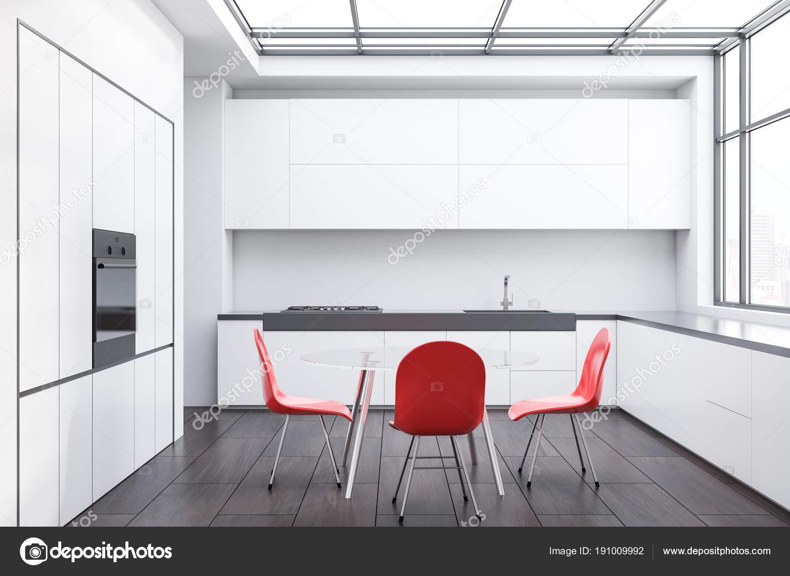 red kitchen chairs cabinet hinge jig 白色厨房和饭厅 红色椅子 图库照片 c denisismagilov 191009992