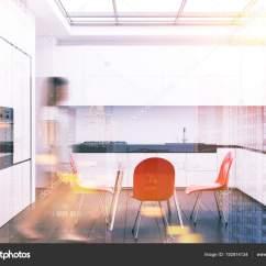 Red Kitchen Chairs Light Pendants 白色厨房和饭厅 红色椅子色调 图库照片 C Denisismagilov 192814134