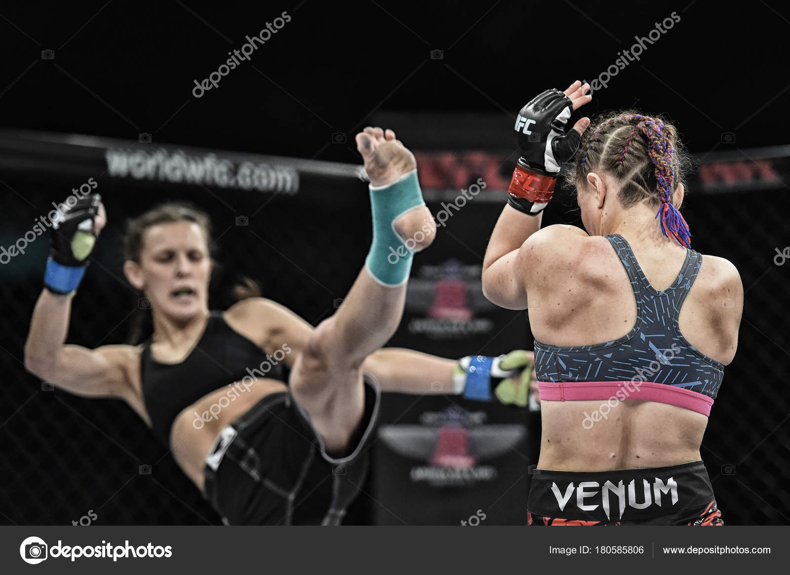 mma fighters fight at