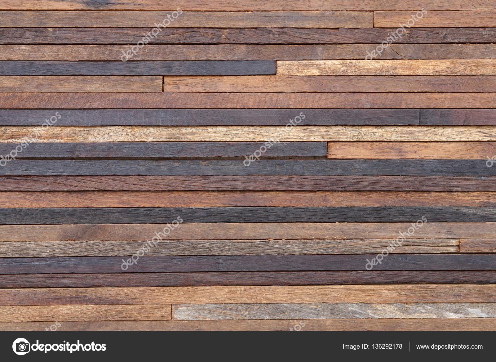 Houten Plank Aan Muur Bevestigen.Muur Planken Free Oude Houten Planken Zwevend En Muur Behandeld Met