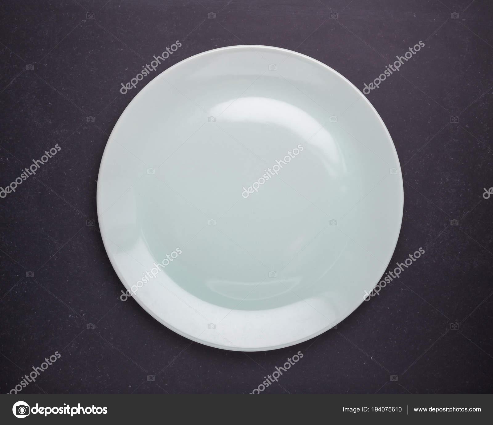 ceramic kitchen top tile floor ideas 黑石桌上的空白色新陶瓷厨房碟backgr 图库照片 c phanuwatnandee 194075610 顶部查看空白色新陶瓷厨房碟黑色石材桌面背景 照片作者phanuwatnandee