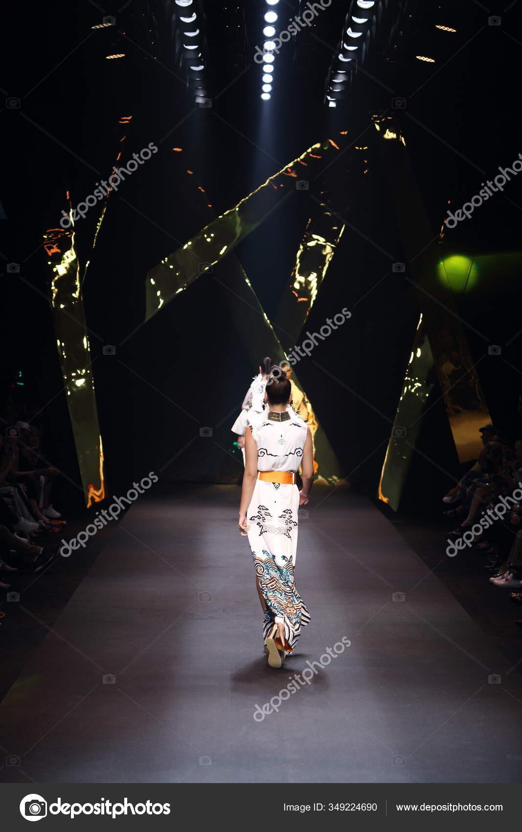 fashion dress model walk back dark runway fashion show catwalk stock editorial photo c jadethaicatwalk 349224690