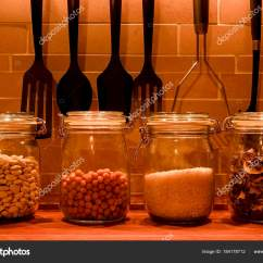 Kitchen Canister Cart Island 厨房配料用厨房罐 烹饪厨房用具 图库照片 C Romannerud 184178712
