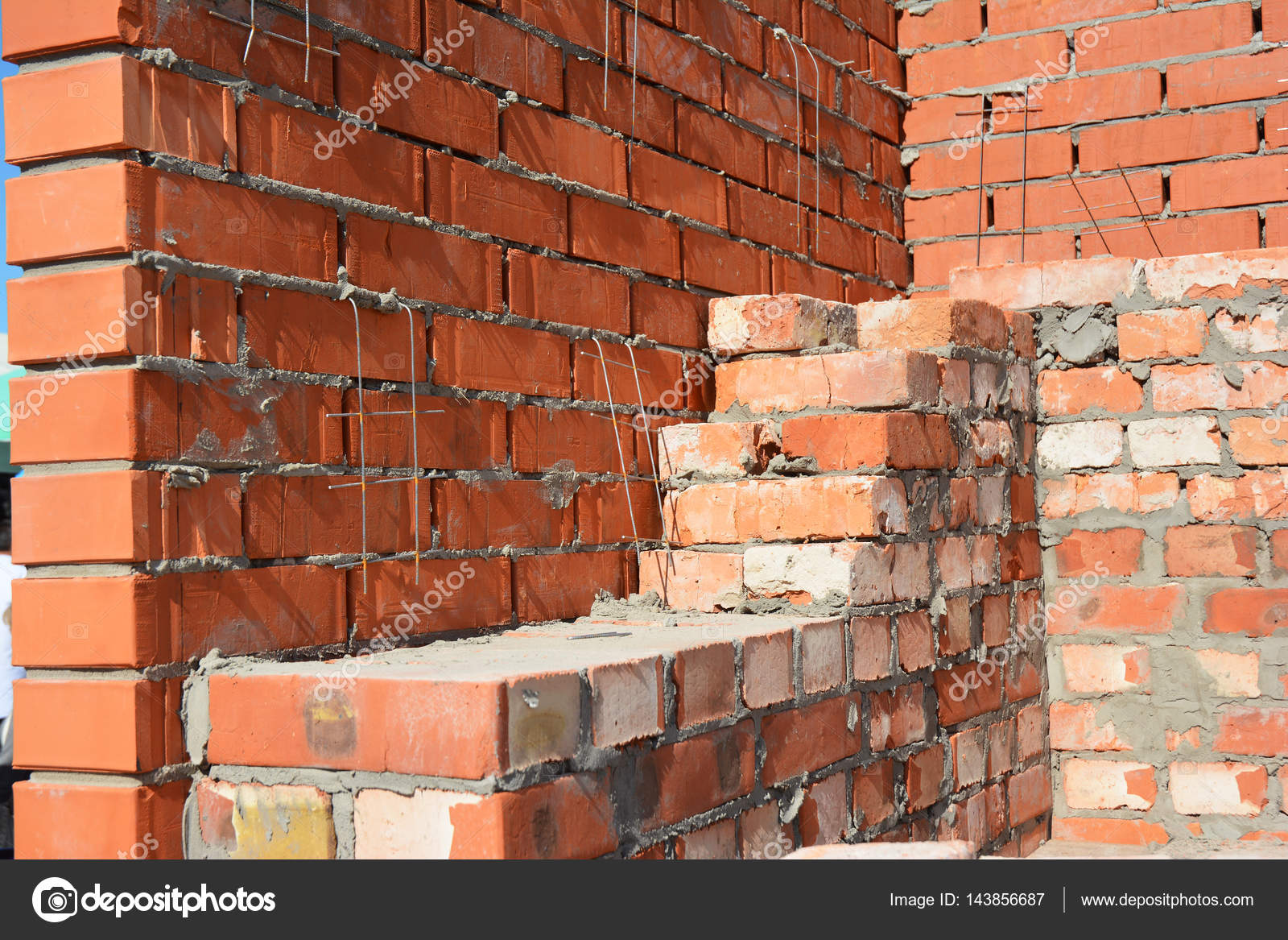 bricklaying house construction site